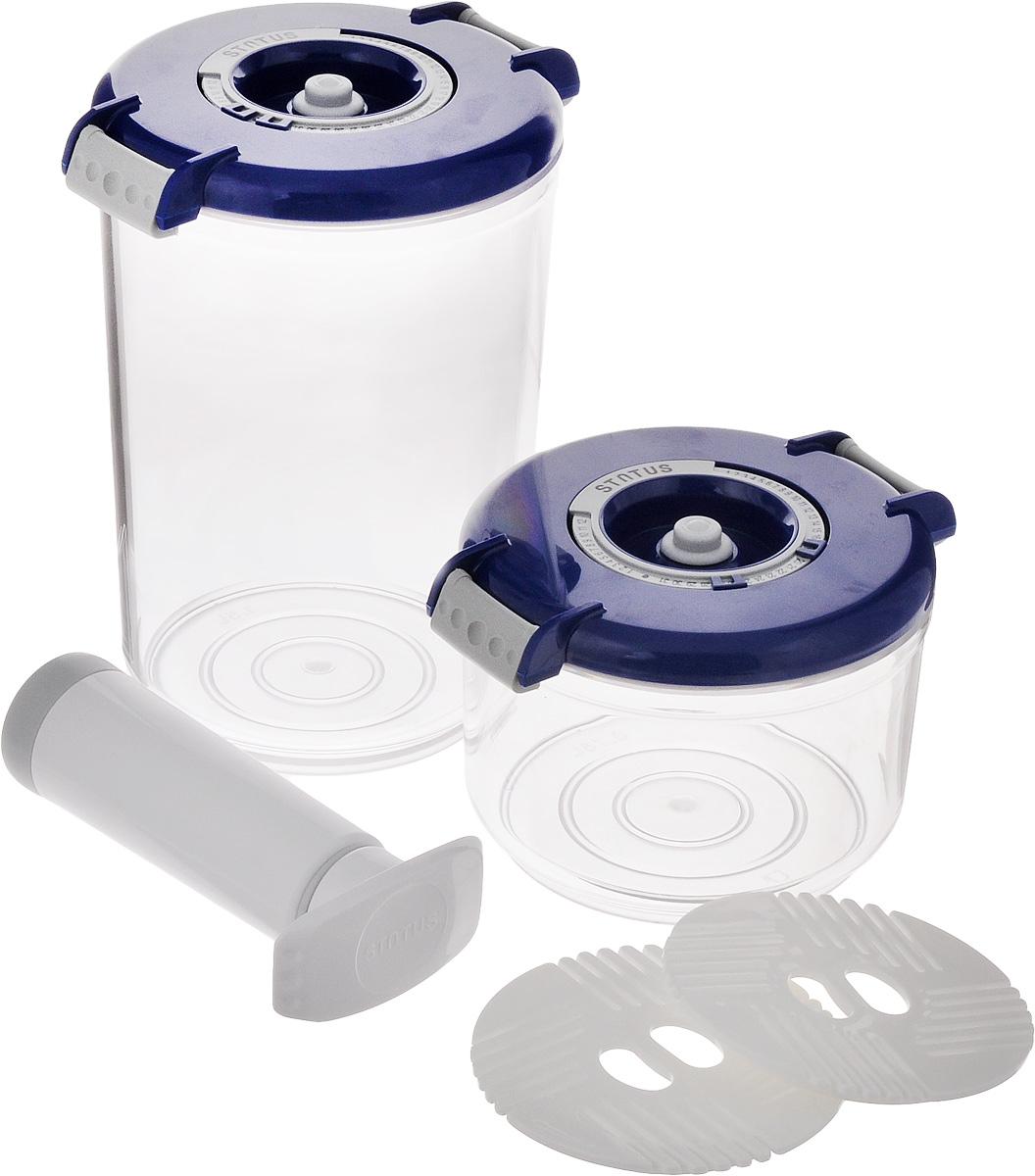 Набор вакуумных контейнеров Status, цвет: прозрачный, синий, 2 шт + ПОДАРОК: Вакуумный ручной насосVAC-RD-Round BlueБлагодаря использованию вакуумных контейнеров Status, продукты не подвергаются внешнему воздействию, и срок хранения значительно увеличивается. Продукты сохраняют свои вкусовые качества и аромат, а запахи в холодильнике не перемешиваются. В контейнерах рекомендуется хранить: сахар, кофе в зернах, чай, муку, крупы, соусы, супы.Особенности контейнеров:Прочный хрустально-прозрачный тританКруглая форма контейнеровИндикатор даты на крышке (месяц, число)BPA-FreeДопускается замораживание (до -21 °C), мойка контейнера в ПММ, разогрев в СВЧ (без крышки).В комплекте имеется вакуумный ручной насос, с помощью которого одним простым движением можно быстро выкачать воздух из контейнераОбъем контейнеров: 1,5 л, 0,75 л.Диаметр контейнеров (по верхнему краю): 13 см.Диаметр основания контейнеров: 10,5 см.Высота контейнеров (без учета крышки): 8 см, 17,5 см.Высота контейнеров (с учетом крышки): 9,5 см, 19 см.Диаметр поддонов: 9,7 см.Длина насоса (в сложенном виде): 14,2 см.Длина насоса (в разложенном виде): 23 см.