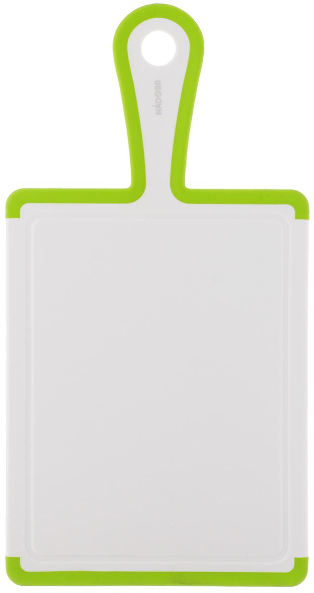 Доска разделочная Nadoba Oktavia, 35 х 18 см722215Разделочная доска Nadoba Oktavia изготовлена извысококачественного пластика. Она отличаетсядолговечностью, большой прочностью, не впитываетзапахи и обладает водоотталкивающими свойствами, придлительном использовании не деформируется. Изделиеснабжено противоскользящими резиновыми вставками,благодаря чему не скользит по поверхности столешницы.Специальные выемки по краям предназначены для стокажидкости.Можно мыть в посудомоечной машине. Размер доски: 35 х 18 х 1 см.