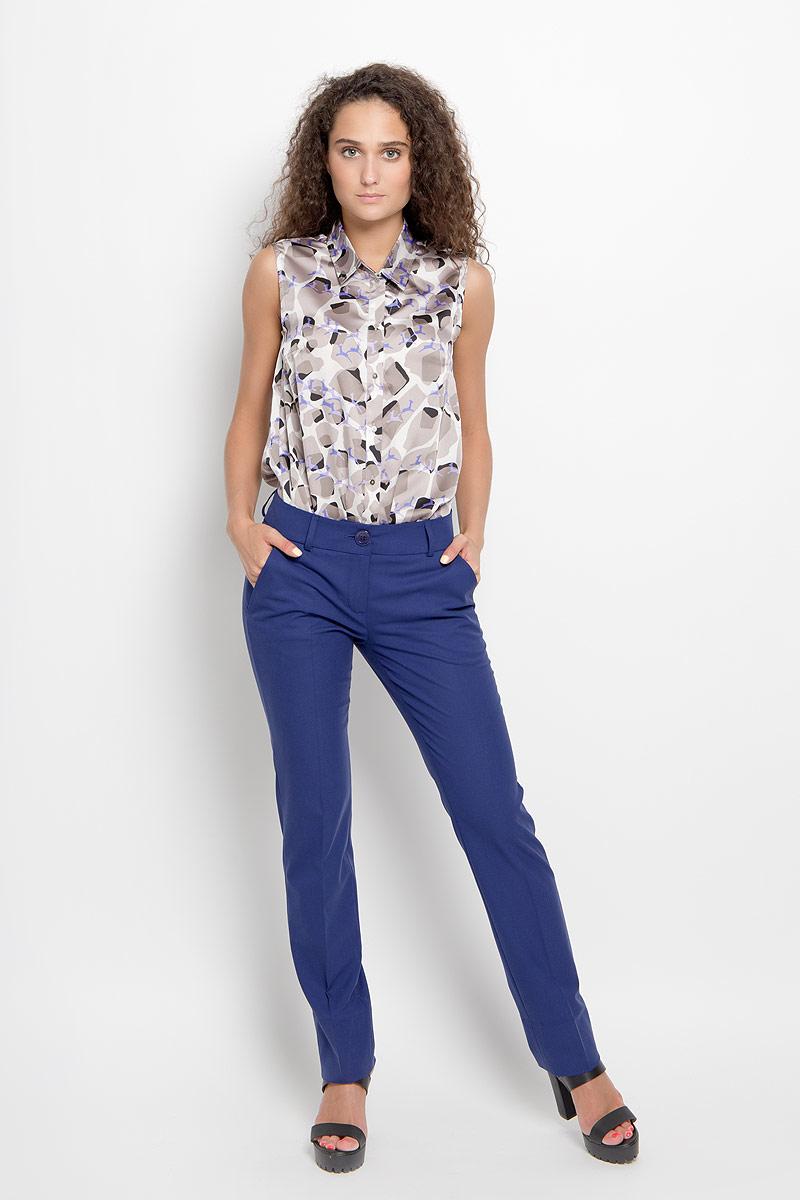 Брюки женские Ruxara, цвет: темно-синий. 2700101_21. Размер 442700101_21Стильные женские брюки Ruxara, выполненные из высококачественного комбинированного материала, отлично подойдут на каждый день. Брюки слегка зауженного к низу кроя и стандартной посадки застегиваются на ширинку на застежке-молнии, а также на две пуговицы по поясу, и имеют шлевки для ремня. Спереди модель оформлена двумя втачными карманами с косыми срезами.Эти модные и в то же время комфортные брюки послужат отличным дополнением к вашему гардеробу. В них вы всегда будете чувствовать себя уютно и уверенно.