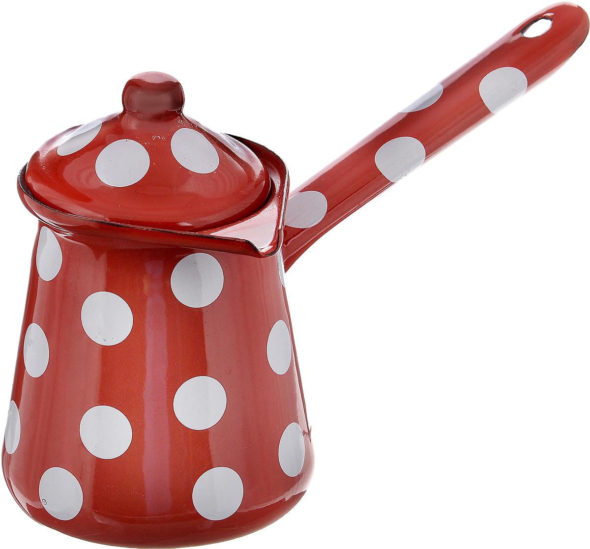 """Турка """"Calve"""", изготовленная из высококачественной стали с эмалированным покрытием, предназначена для приготовления кофе. Внешние стенки турки оформлены изящным принтом в горох. Изделие имеет широкое горлышко, специальный носик и крышку. Рукоятка снабжена специальным отверстием, благодаря которому изделие можно подвесить на крючок. Кофе в турке варится очень просто. Насыпьте молотый кофе, залейте водой и варите на слабом огне, не доводя до кипения. Чем дольше кофе варить, тем крепче он становится. Подходит для всех видов плит, включая индукционные.Диаметр турки (по верхнему краю): 8 см. Длина ручки: 12,5 см.Высота стенки: 10,5 см."""