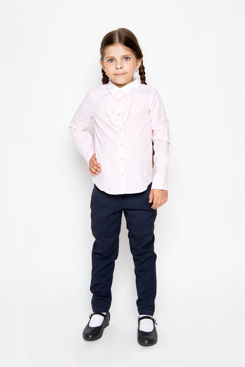 Блузка для девочки Sela, цвет: розовый. B-612/005-6311. Размер 116, 6 летB-612/005-6311Стильная приталенная блузка для девочки Sela идеально подойдет вашей дочурке. Изготовленная из натурального хлопка, она мягкая и приятная на ощупь, не сковывает движения и позволяет коже дышать, обеспечивая наибольший комфорт. Блузка с длинными рукавами и отложным воротничком застегивается на пластиковые пуговицы по всей длине. Рукава дополнены манжетами на пуговицах. Модель украшена оборками на груди и оформлена принтом в узкую полоску.Современный дизайн и расцветка делают эту блузку стильным предметом детского гардероба. Модель можно носить как с джинсами, так и с классическими брюками.