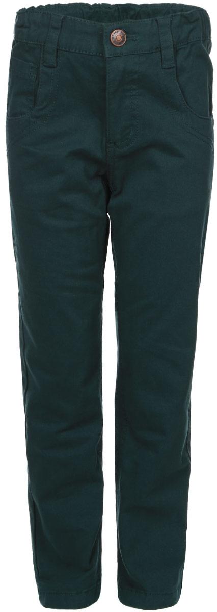 Брюки для мальчика Sela, цвет: темно-зеленый. P-715/769-6311. Размер 116, 6 летP-715/769-6311Удобные брюки для мальчика Sela идеально подойдут вашему маленькому моднику. Изготовленные из высококачественного эластичного хлопка, они мягкие и приятные на ощупь, не сковывают движения, сохраняют тепло и позволяют коже дышать, обеспечивая наибольший комфорт. Прямые брюки застегиваются на ширинку на застежке-молнии и пуговицу на поясе, имеются шлевки для ремня. С внутренней стороны пояс регулируется эластичной резинкой с пуговицами. Модель дополнена двумя втачными карманами и маленьким накладным кармашком спереди, а также двумя накладными карманами сзади.Практичные и стильные брюки идеально подойдут вашему малышу, а модная расцветка и высококачественный материал позволят ему комфортно чувствовать себя в течение дня!