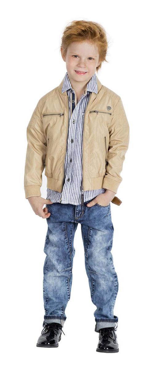 Рубашка для мальчика Gulliver Воздухоплаватели, цвет: темно-синий джинс, белый. 11604BMC2302. Размер 98, 2-3 года11604BMC2302Модная рубашка для мальчика Gulliver Воздухоплаватели, выполненная из натурального льна, станет идеальным вариантом для создания образа в стиле Casual. Материал мягкий и приятный на ощупь, не сковывает движения и позволяет коже дышать, обеспечивая комфорт.Рубашка с отложным воротником и длинными рукавами застегивается на пуговицы по всей длине. На груди модели предусмотрен прорезной карман. Рукава дополнены стильными налокотниками из ткани под джинсу. Длину рукавов можно изменить при помощи хлястиков на пуговицах. Манжеты также имеют застежки-пуговицы. Изделие оформлено принтом в полоску, украшено металлической нашивкой с логотипом бренда. Современный дизайн, актуальная цветовая гамма и декор делают эту рубашку стильным предметом детской одежды. В ней ваш маленький мужчина всегда будет в центре внимания!