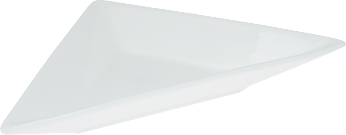 """Блюдо """"Wilmax"""" треугольной формы изготовлено из высококачественного  фарфора, покрытого слоем глазури. Изделие предназначено для подачи нарезок,  закусок, соусов или варенья.  Такое блюдо пригодится в любом хозяйстве, оно подойдет как для праздничного  стола, так и для повседневного использования. Блюдо функциональное,  практичное и легкое в уходе."""
