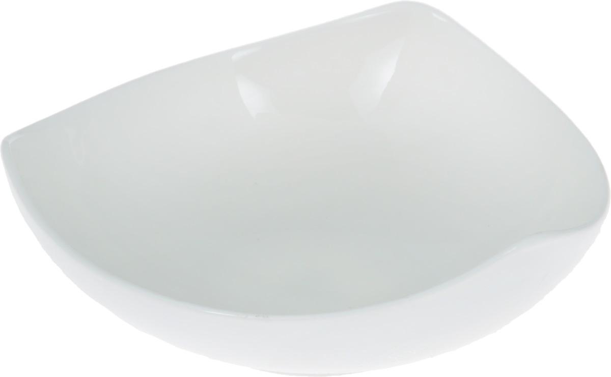 """Салатник """"Wilmax"""" изготовлен из высококачественного фарфора, покрытого слоем  глазури. Предназначен для подачи соусов или варенья, а также некоторых видов  закусок.  Такой салатник пригодится в любом хозяйстве, он подойдет как для праздничного  стола, так и для повседневного использования. Изделие функциональное,  практичное и легкое в уходе. Можно мыть в посудомоечной машине и ставить в микроволновую печь."""