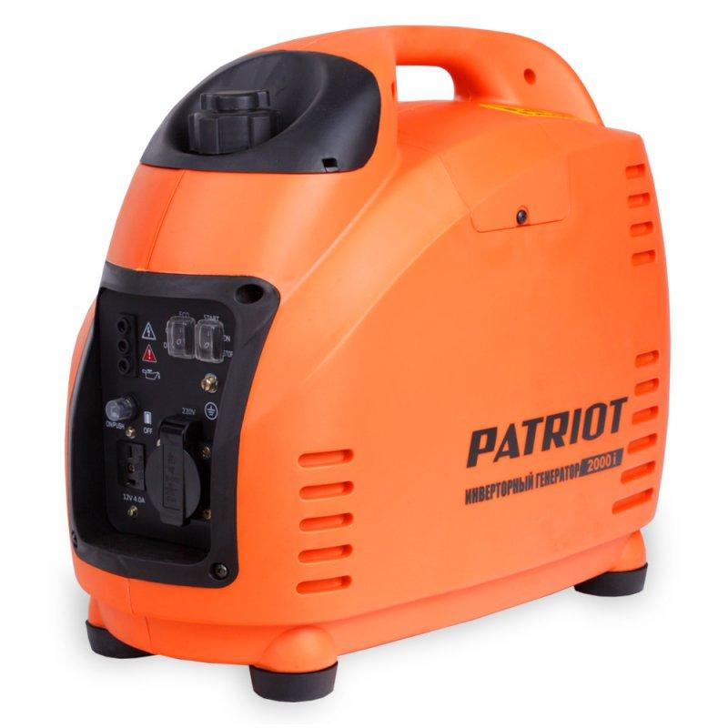 Переносной компактный инверторный генератор Patriot 2000i предназначен для  питания маломощных электроприборов на загородном участке, в походе, на  рыбалке. Работает на бензине. Высокое качество поставляемой энергии: чистая  синусоида, стабильная частота и напряжение 220В ± 3% / 50Гц ± 0.5 позволяют  подключать к генератору любые критичные к качеству напряжения устройства:  компьютеры, ноутбуки, плазменные и LCD телевизоры.  Применение современных материалов значительно уменьшило вес и размеры  генератора. Благодаря двигателю, специально разработанному под  инверторный генератор, и особенной конструкции корпуса удалось значительно  понизить уровень шума. Режим ECO экономит топливо и увеличивает ресурс  двигателя. Выход 12 вольт позволяет подзарядить автомобильный аккумулятор  в экстренном случае. Низкий уровень шума не создает дискомфорта.  Наличие удобной рукоятки сверху корпуса и малый вес станции обеспечивают  удобную и легкую транспортировку. Панель управления имеет понятную  символику и содержит следующие элементы: защищенные от влаги кнопки  включения в работу и включения режима ECO, световую индикацию аварии, сети  и низкого уровня масла, евророзетку на 16 А и выход на 12 В. Прорезиненные  опорные ножки отлично гасят вибрации и обеспечивают устойчивость  генератора.  Тип двигателя: 4-тактный.  Мощность номинальная при 220 В: 1.5 кВт.  Мощность максимальная при 220 В: 1.8 кВт. Уровень шума: 58 дБ.  Используемое масло: SAE 1 ОWЗО, API SJ.  Топливо: неэтилированный бензин АИ 92.  Расход топлива: 500 г/кВтч.  Объем масла: 0,6 л.  Выход постоянного тока: 12В / 4.0А.