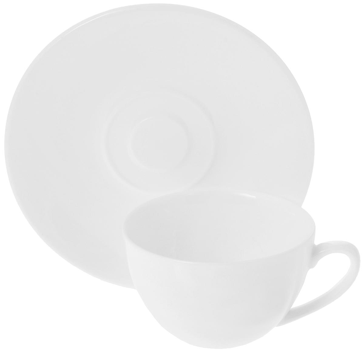 Кофейная пара Wilmax, 2 предмета. WL-993001 / ABWL-993001 / ABКофейная пара Wilmax состоит из чашки и блюдца. Изделия выполнены из высококачественного фарфора, покрытого слоем глазури. Изделия имеют лаконичный дизайн, просты и функциональны в использовании. Кофейная пара Wilmax украсит ваш кухонный стол, а также станет замечательным подарком к любому празднику.Изделия можно мыть в посудомоечной машине и ставить в микроволновую печь.Объем чашки: 180 мл.Диаметр чашки (по верхнему краю): 8,5 см.Высота чашки: 5 см.Диаметр блюдца: 14 см.