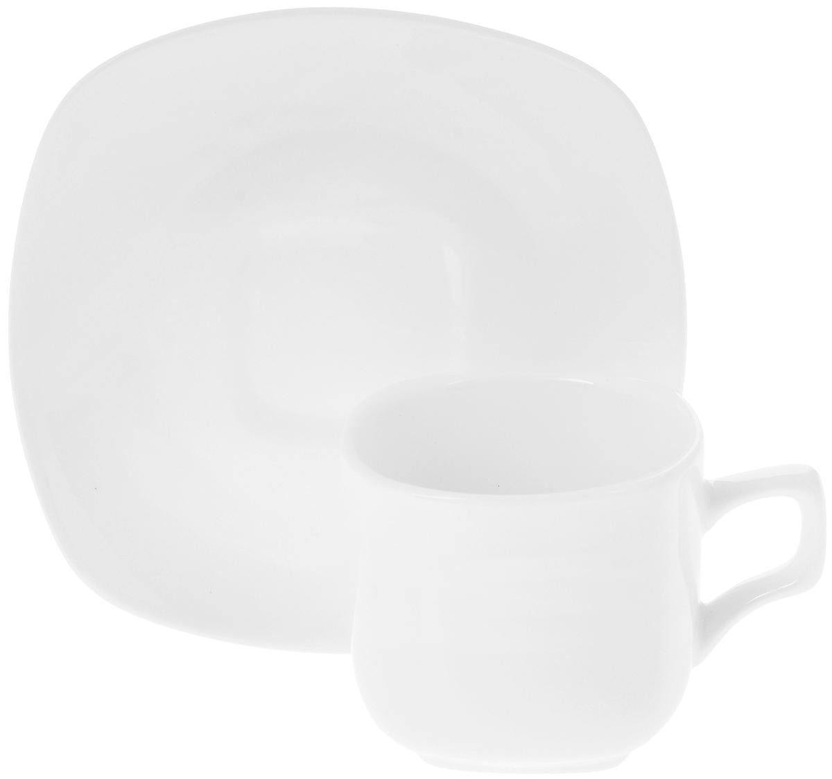 Чайная пара Wilmax, 2 предмета. WL-993003WL-993003 / ABЧайная пара Wilmax состоит из чашки и блюдца, выполненных из высококачественного фарфора и оформленных в классическом стиле. Оригинальный дизайн обязательно придется вам по вкусу. Чайная пара Wilmax украсит ваш кухонный стол, а также станет замечательным подарком к любому празднику.Объем чашки: 200 мл.Диаметр чашки (по верхнему краю): 7,5 см.Диаметр основания чашки: 4,5 см.Высота чашки: 7 см.Диаметр блюдца: 15 см.