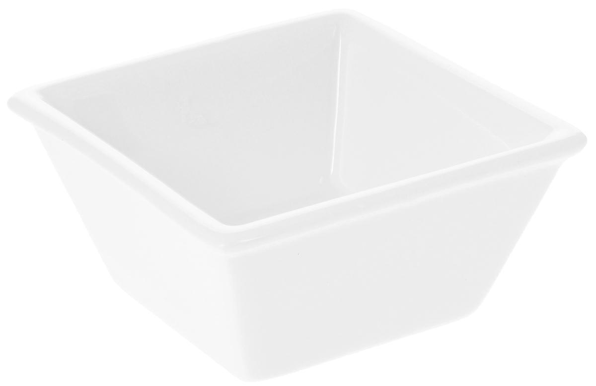 Соусник Wilmax, 85 мл1981000БЭлегантный соусник Wilmax изготовлен из высококачественногофарфора. Приятный глазу дизайн и отменное качество соусника будутдолгорадовать вас. Соусник Wilmax украсит сервировку вашего стола и подчеркнетпрекрасный вкус хозяина. Размер соусника (по верхнему краю): 7,5 х 7,5 см. Высота соусника: 3,5 см.