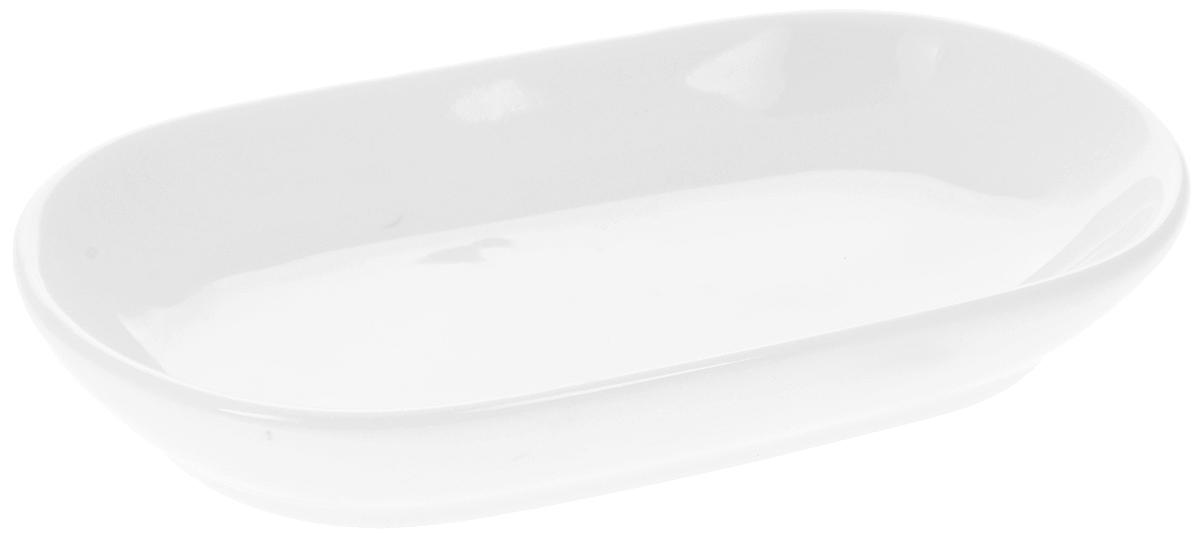 """Блюдо """"Wilmax"""", изготовленное из высококачественного  фарфора, имеет овальную форму. Оригинальный дизайн  придется по вкусу и ценителям классики, и тем, кто  предпочитает утонченность и изысканность.  Блюдо """"Wilmax"""" идеально подойдет для сервировки  стола и станет отличным подарком к любому празднику. Можно мыть в посудомоечной машине и использовать в микроволновой печи. Размер блюда (по верхнему краю): 14 х 7,5 см. Высота стенки: 2 см."""