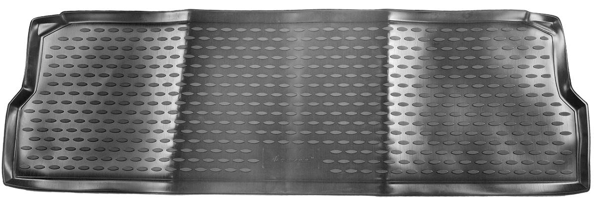 Коврик в салон автомобиля Novline-Autofamily, для Land Rover Defender 110 5D 2007->, третий рядNLC.28.10.210hКоврик в салон Novline-Autofamily не только улучшит внешний вид салона вашего автомобиля, но и надежно убережет его от пыли, грязи и сырости, а значит, защитит кузов от коррозии. Полиуретановый коврик для автомобиля гладкий, приятный и не пропускает влагу. Автомобильный коврик в салон учитывает все особенности каждой модели и полностью повторяет контуры пола. Благодаря этому его не нужно будет подгибать или обрезать.Полиуретановый автомобильный коврик для салона произведен из высококачественного материала, который держит форму и не пачкает обувь. К тому же, этот материал очень прочный (его, к примеру, не получится проткнуть каблуком).Некоторые автоковрики становятся источником неприятного запаха в автомобиле. С полиуретановым ковриком Novline-Autofamily вы можете этого не бояться.Коврик для автомобилей надежно крепится на полу и не скользит, что очень важно во время движения, особенно для водителя.Коврик из полиуретана надежно удерживает грязь и влагу, при этом всегда выглядит довольно опрятно. И чистится он очень просто: как при помощи автомобильного пылесоса, так и различными моющими средствами.