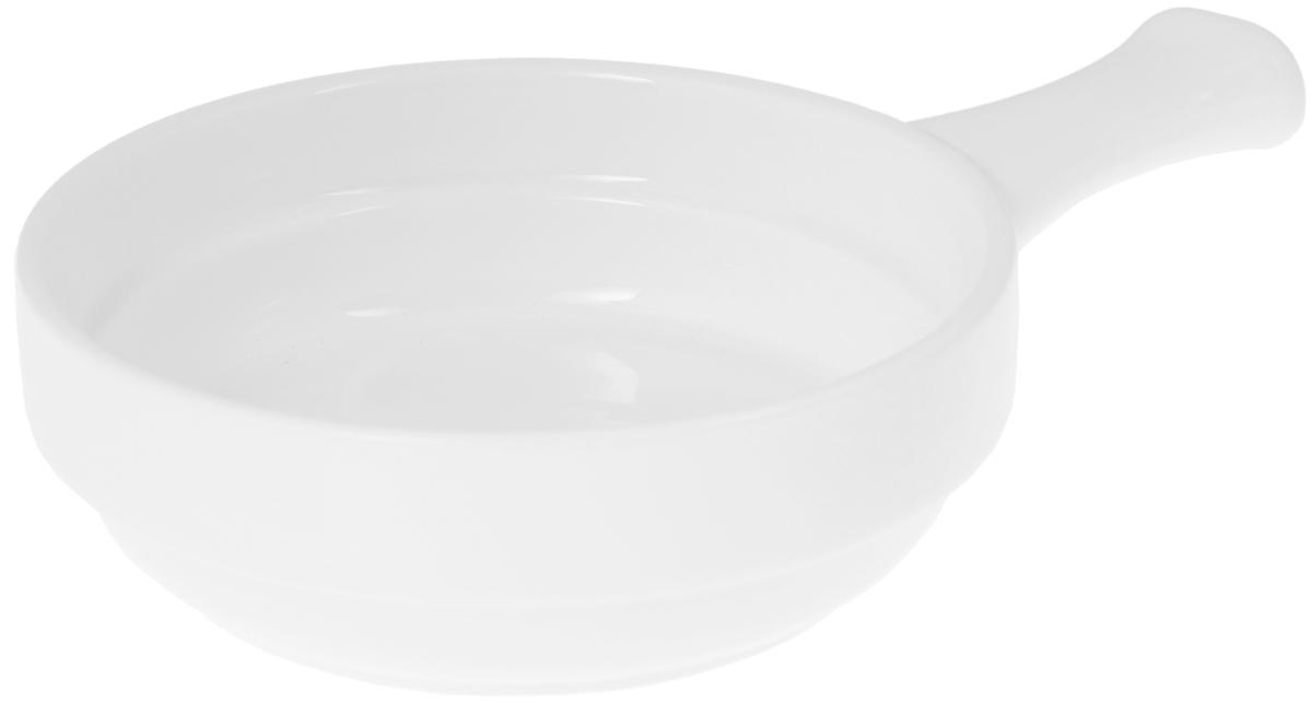 Форма для запекания Wilmax, круглая, с ручкой, диаметр 14,5 смWL-997013 / AНи для кого не секрет, что у настоящей хозяйки красивая посуда не только та, в которой она подает свои блюда, но и та, в которой она готовит. Круглая форма для запекания Wilmax выполнена из высококачественного фарфора и оснащена ручкой для удобной переноски.Приятный глазу дизайн и отменное качество формы будут долго радовать вас.Диаметр формы: 14,5 см. Высота формы: 4,5 см.Длина ручки: 6 см.