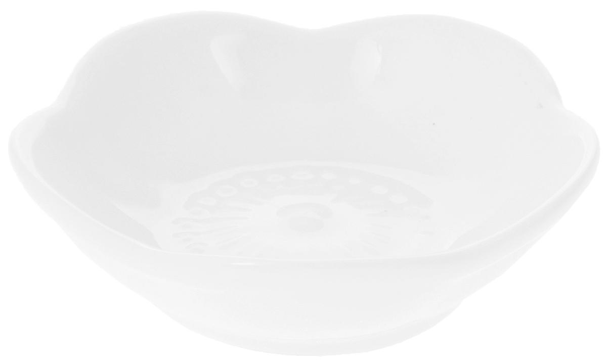 Емкость для закусок Wilmax, диаметр 7,5 смWL-992606 / AЕмкость для закусок Wilmax изготовлена из высококачественного фарфора. Изделиеотлично подойдет для подачи на стол соусов, меда иливаренья.Такой набор украсит ваш праздничный или обеденный стол, аоригинальное оформление понравится любой хозяйке.Диаметр изделия (по верхнему краю): 7,5 см.Высота: 2 см.