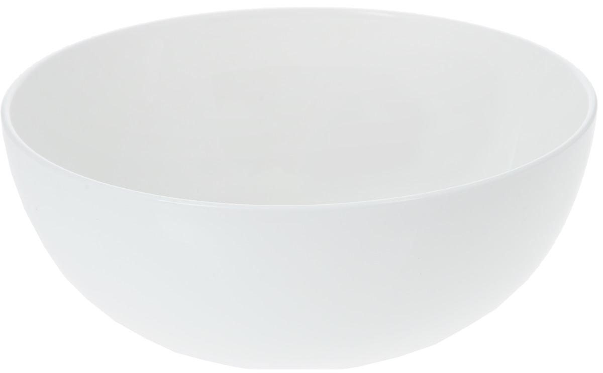 Салатник Wilmax, 1,7 лWL-992566 / AСалатник Wilmax, изготовленный из высококачественного фарфора с глазурованным покрытием, прекрасно подойдет для подачи различных блюд: закусок, салатов или фруктов. Такой салатник украсит ваш праздничный или обеденный стол, а оригинальный дизайн придется по вкусу и ценителям классики, и тем, кто предпочитает утонченность и изысканность.