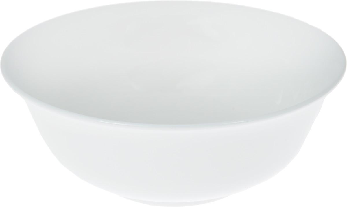 """Салатник """"Wilmax"""", изготовленный из фарфора с глазурованным покрытием, прекрасно  подойдет для подачи различных блюд: закусок, салатов или фруктов.   Фарфор от """"Wilmax"""" изготовлен по уникальному рецепту из сплава магния и алюминия,  благодаря чему посуда обладает характерной белизной, прочностью и устойчивостью к  сколами. Особый состав глазури обеспечивает гладкость и блеск поверхности изделия.  Такой салатник украсит ваш праздничный или обеденный стол, а оригинальный дизайн  придется по вкусу и ценителям классики, и тем, кто предпочитает утонченность и  изысканность.    Можно мыть в посудомоечной машине и использовать в микроволновой печи. Изделие  пригодно для использования в духовых печах и выдерживает температуру до 300°С."""