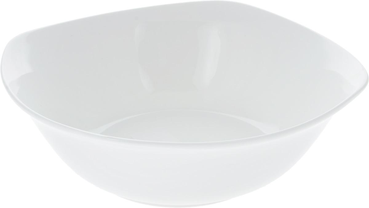 Салатник Wilmax, 1,3 лWL-992002 / AСалатник Wilmax, изготовленный из фарфора с глазурованным покрытием, прекрасно подойдет дляподачи различных блюд: закусок, салатов или фруктов. Фарфор от Wilmax изготовлен по уникальному рецепту из сплава магния и алюминия, благодаря чему посуда обладает характерной белизной, прочностью и устойчивостью к сколами. Особый состав глазури обеспечивает гладкость и блеск поверхности изделия.Такой салатник украсит ваш праздничный или обеденный стол, а оригинальный дизайн придется по вкусу и ценителям классики, и тем, кто предпочитает утонченность и изысканность.Можно мыть в посудомоечной машине и использовать в микроволновой печи. Изделие пригодно для использования в духовых печах и выдерживает температуру до 300°С.
