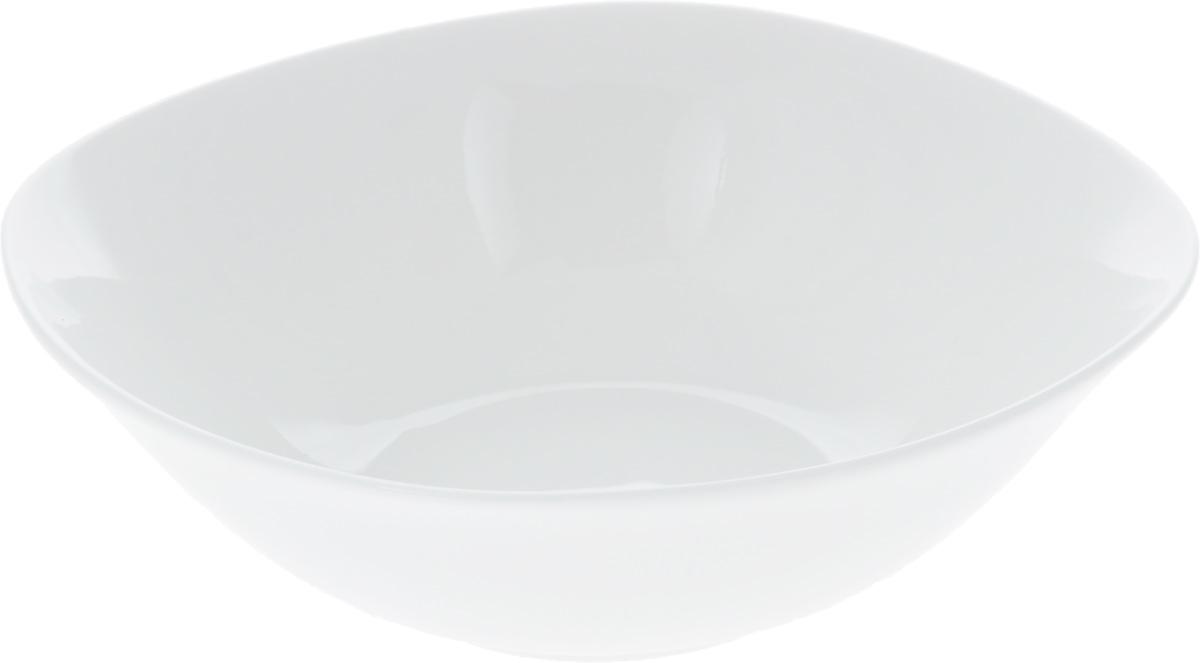 """Салатник """"Wilmax"""", изготовленный из фарфора с глазурованным покрытием, прекрасно подойдет дляподачи различных блюд: закусок, салатов или фруктов. Фарфор от """"Wilmax"""" изготовлен по уникальному рецепту из сплава магния и алюминия, благодаря чему посуда обладает характерной белизной, прочностью и устойчивостью к сколами. Особый состав глазури обеспечивает гладкость и блеск поверхности изделия.Такой салатник украсит ваш праздничный или обеденный стол, а оригинальный дизайн придется по вкусу и ценителям классики, и тем, кто предпочитает утонченность и изысканность.  Можно мыть в посудомоечной машине и использовать в микроволновой печи. Изделие пригодно для использования в духовых печах и выдерживает температуру до 300°С."""