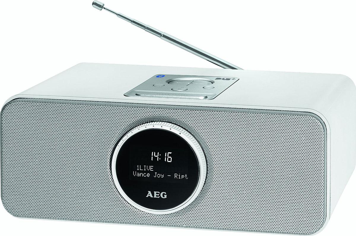 AEG SR 4372 DAB+, White радиоприемникSR 4372 wei? DAB+Bluetooth стерео-радио AEG SR 4372 с DAB+/VHF модулями для приема цифровых радиостанций оснащено большим черно-белым LCD-дисплеем, USB-портом, AUX-IN, часами, регулировкой уровня звука, а также имеет возможностьручного и автоматического сканирования. Функция будильника снабжена возможностью установки двух разных времен и режимом сна. Функция Bluetooth идеально подходит для беспроводного соединения (A2DP, дальность до 15 м), например, со смартфоном, планшетом, или другим устройством, поддерживающим данную технологию, для передачимузыкальных файлов или трансляции интернет-радио. Также возможно соединение через AUX-IN.