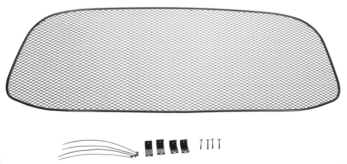 Сетка для защиты радиатора Novline-Autofamily, для LADA Kalina 2014->01-550413-15BСетка для защиты радиатора Novline-Autofamily изготовлена из антикоррозионного материала, что гарантирует отсутствие ржавчины в процессе эксплуатации. Изделие устанавливается на штатную решетку переднего бампера автомобиля, защищая таким образом радиатор от попадания камней, крупных насекомых, мелких птиц. Простая установка делает это изделие необыкновенно удобным. В отличие от универсальных сеток, для установки которых требуется снятие бампера, то есть наличие специализированных навыков и дополнительного оборудования (подъемник и так далее), для установки этой сетки понадобится 20 минут времени и отвертка. Данный продукт разработан индивидуально под каждый бампер автомобиля. Внешняя защитная сетка радиатора полностью повторяет геометрию решетки бампера и гармонично вписывается в общий стиль автомобиля.