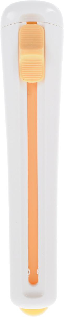 Приспособление для извлечения выпечки из форм Tescoma Delicia630065Приспособление Tescoma Delicia предназначено для извлечения торта, который находится в форме с высокими краями. Гибкое лезвие тщательно отделяет торт от стенок и дна глубокой формы. Отлично подходит для разрезания теста при приготовлении пряников, песочного печенья и многого другого. Лезвие изготовлено из стойкого жаропрочного пластика и подходит для форм с антипригарным покрытием. Нельзя мыть в посудомоечной машине.Общая длина приспособления: 26 см.Длина (в сложенном виде): 15,5 см.