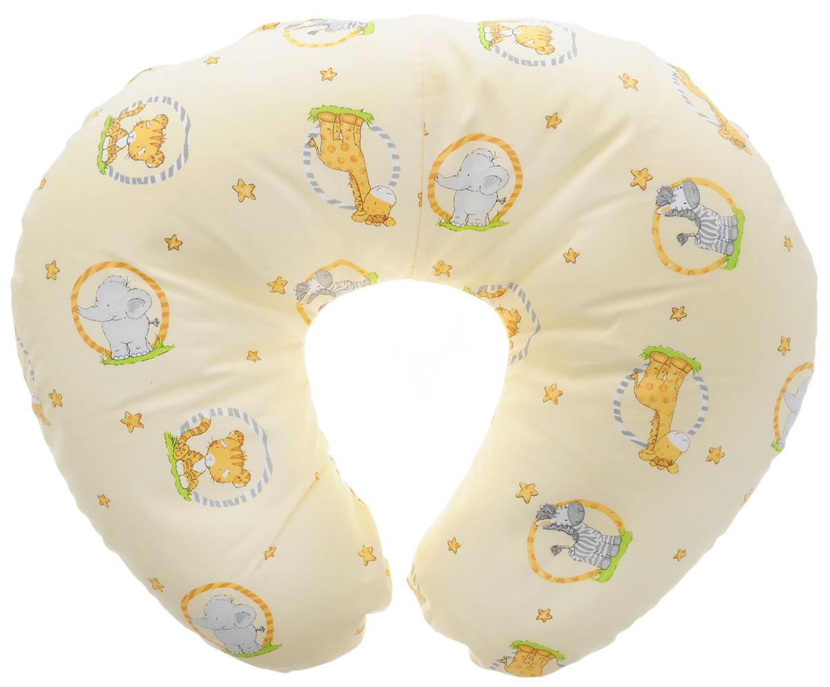 Plantex Подушка для кормящих и беременных мам Comfy Small Слон и зебра01030_слон и зебра светло-желтыйМногофункциональная подушка Plantex Comfy Small идеальна для удобства ребенка и его родителей.Зачастую именно эта модель называется подушкой для беременных. Ведь она создана именно для будущих мам с учетом всех анатомических особенностей в этот период. На любом сроке беременности она бережно поддержит растущий животик и поможет сохранить комфортное и безопасное положение во время сна. Подушка идеально подходит для кормления уже появившегося малыша. Позже многофункциональная подушка поможет ему сохранить равновесие при первых попытках сесть.Чехол подушки выполнен из 100% хлопка и снабжен застежкой-молнией, что позволяет без труда снять и постирать его. Наполнителем подушки служат полистироловые шарики - экологичные, не деформируются сами и хорошо сохраняют форму подушки.Подушка для кормящих и беременных мам Plantex Comfy Small - это удобная и практичная вещь, которая прослужит вам долгое время.Подушка поставляется в сумке-чехле.При использовании рекомендуется следующий уход: наволочка - машинная стирка и глажение, подушка с наполнителем - ручная стирка.Список вещей в роддом. Статья OZON Гид