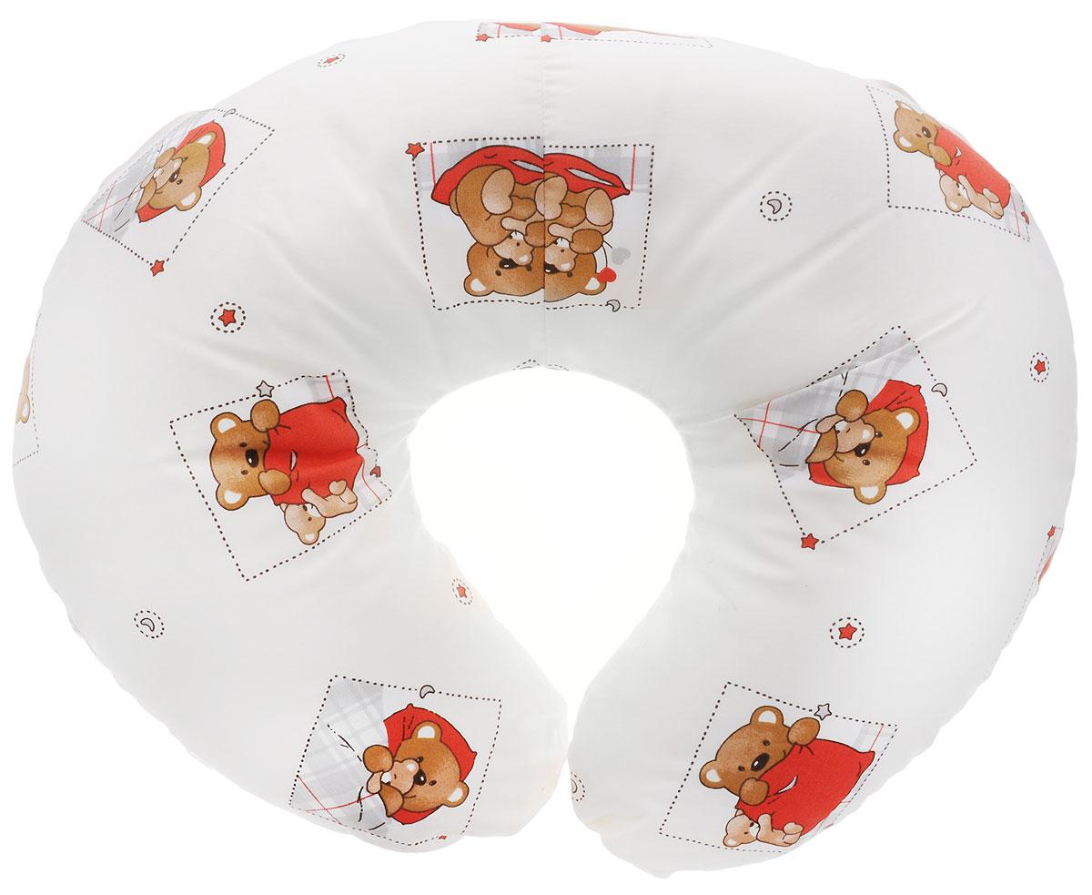 Plantex Подушка для кормящих и беременных мам Comfy Small Мишка цвет белый красный01030_мишка белый красныйМногофункциональная подушка Plantex Comfy Small идеальна для удобства ребенка и его родителей.Зачастую именно эта модель называется подушкой для беременных. Ведь она создана именно для будущих мам с учетом всех анатомических особенностей в этот период. На любом сроке беременности она бережно поддержит растущий животик и поможет сохранить комфортное и безопасное положение во время сна. Также подушка идеально подходит для кормления уже появившегося малыша. Позже многофункциональная подушка поможет ему сохранить равновесие при первых попытках сесть.Чехол подушки выполнен из 100% хлопка и снабжен застежкой-молнией, что позволяет без труда снять и постирать его. Наполнителем подушки служат полистироловые шарики - экологичные, не деформируются сами и хорошо сохраняют форму подушки.Подушка для кормящих и беременных мам Plantex Comfy Small - это удобная и практичная вещь, которая прослужит вам долгое время.Подушка поставляется в сумке-чехле.При использовании рекомендуется следующий уход: наволочка - машинная стирка и глажение, подушка с наполнителем - ручная стирка.Список вещей в роддом. Статья OZON Гид