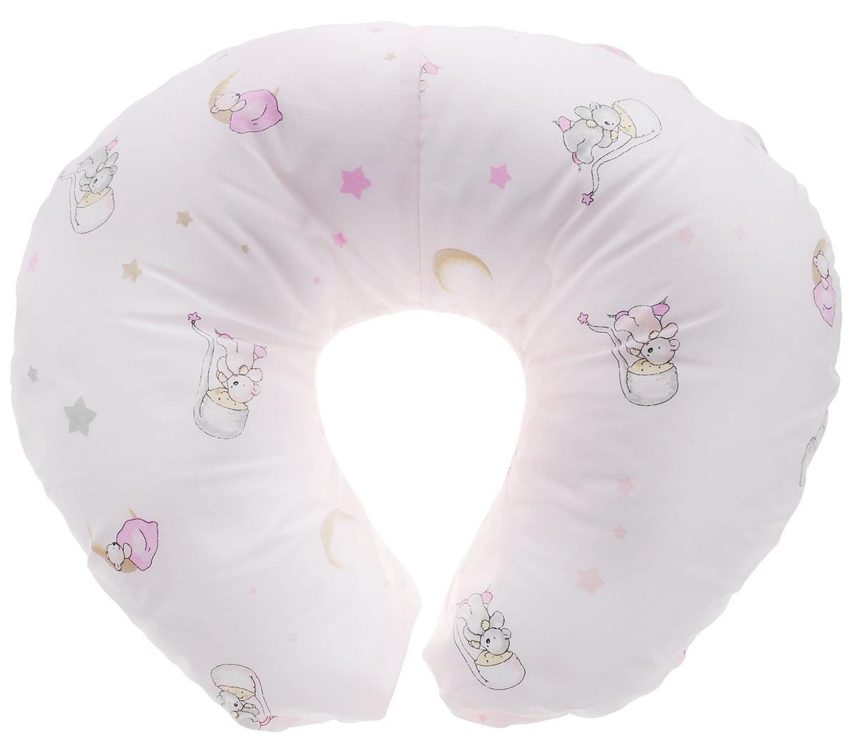Plantex Подушка для кормящих и беременных мам Comfy Small Мишка и Луна цвет бледно-розовый01030_мишка и лунаМногофункциональная подушка Plantex Comfy Small идеальна для удобства ребенка и его родителей. Зачастую именно эта модель называется подушкой для беременных. Ведь она создана именно для будущих мам с учетом всех анатомических особенностей в этот период. На любом сроке беременности она бережно поддержит растущий животик и поможет сохранить комфортное и безопасное положение во время сна.Подушка идеально подходит для кормления уже появившегося малыша. Позже многофункциональная подушка поможет ему сохранить равновесие при первых попытках сесть.Чехол подушки выполнен из 100% хлопка и снабжен застежкой-молнией, что позволяет без труда снять и постирать его. Наполнителем подушки служат полистироловые шарики - экологичные, не деформируются сами и хорошо сохраняют форму подушки.Подушка для кормящих и беременных мам Plantex Comfy Small - это удобная и практичная вещь, которая прослужит вам долгое время.Подушка поставляется в сумке-чехле.При использовании рекомендуется следующий уход: наволочка - машинная стирка и глажение, подушка с наполнителем - ручная стирка.