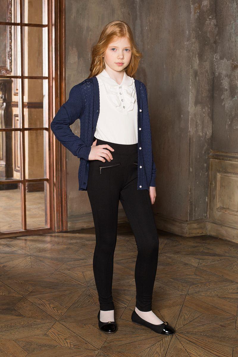 Брюки для девочки Luminoso, цвет: черный. 205647. Размер 140205647Стильные брюки Luminoso прямого покроя с декоративными рельефными стрелками и молниям. Модель выполнена из эластичного трикотажа высокого качества.
