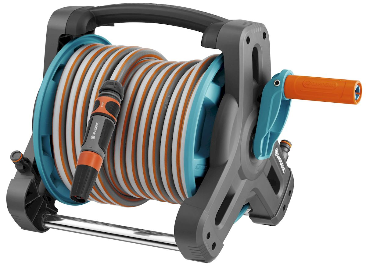 """Комплект Катушка Gardena """"Classic"""", со шлангом является универсальным и компактным. Благодаря небольшому весу, катушку легко переносить. Катушка защищает насос от возможных повреждений при хранении. В комплекте: - катушка; - шланг 13 мм (1/2), 10 м; - стандартный коннектор, 3 шт; - резьбовой штуцер, 2шт; - коннектор с автостопом; - адаптер; - наконечник для полива."""
