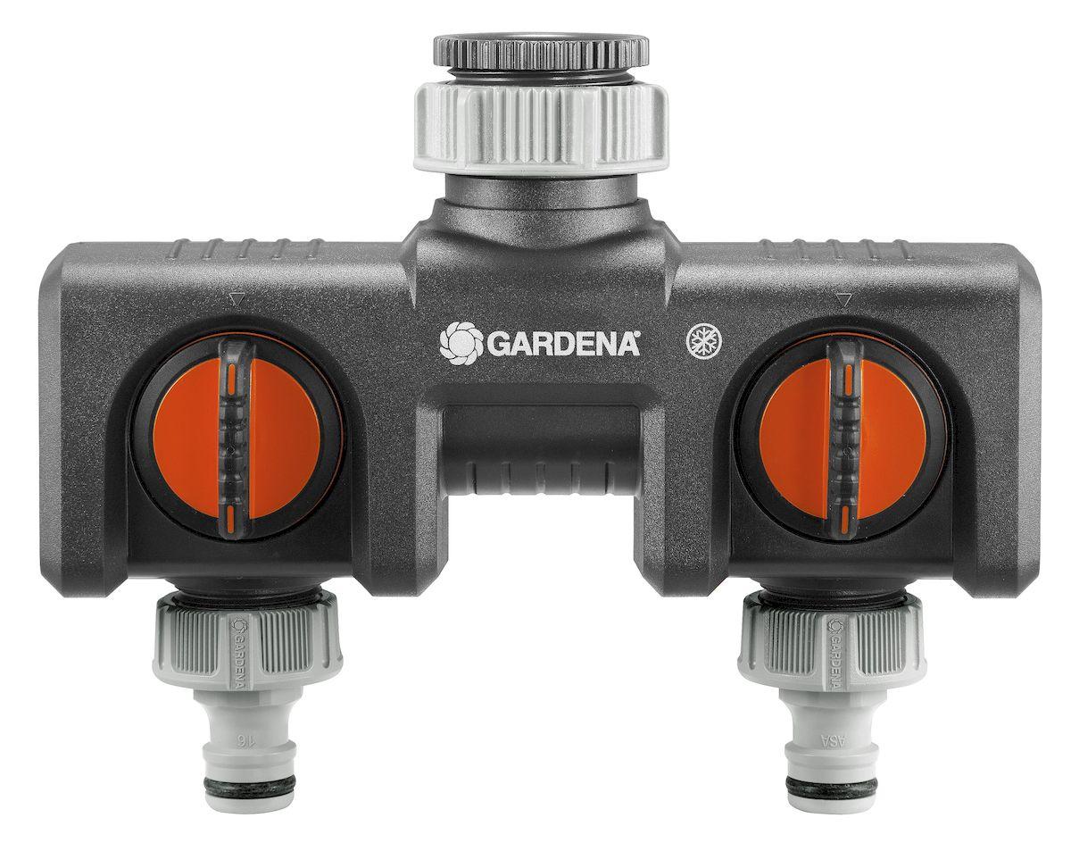 """Распределитель 2-х канальный """"Gardena"""" позволяет одновременно подключать два поливочных инструмента к одному крану. Поток воды на выходах плавно регулируется. К распределителю можно подсоединить два таймера автоматического полива. Распределитель подходит для кранов с резьбой 33,3 мм (G 1 дюйм)."""