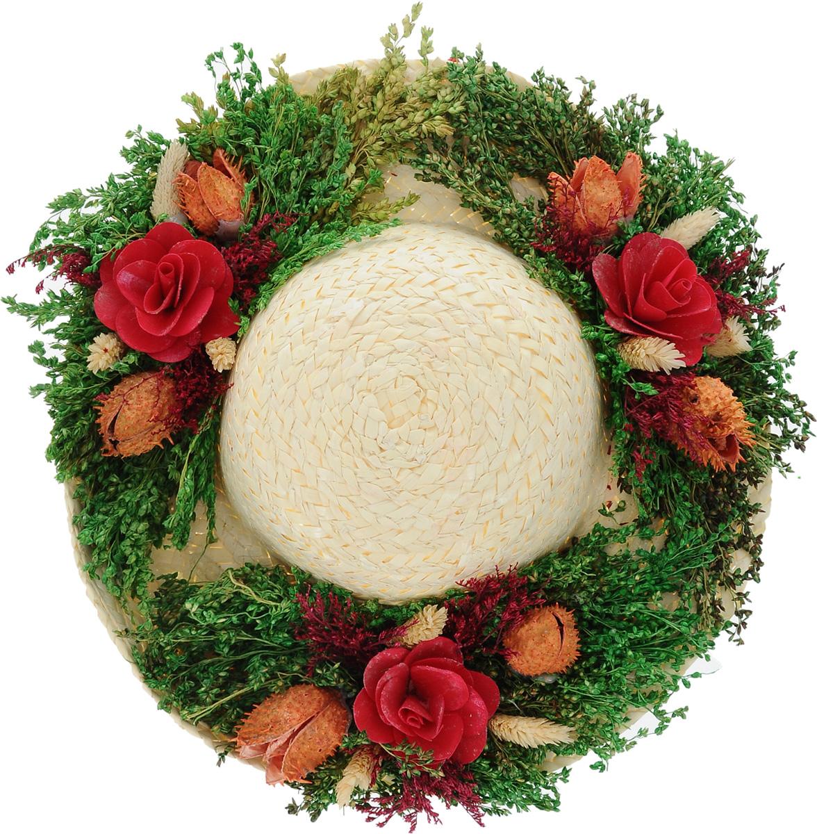 Декоративное настенное украшение Lillo Шляпа с цветами, цвет: светло-бежевый, зеленый, бордовыйAF 03127_бордовыйДекоративное подвесное украшение Lillo Шляпа с цветами выполнено из натуральной соломы и украшено сухоцветами. Такая шляпа станет изящным элементом декора в вашем доме. С задней стороны расположена петелька для подвешивания. Такое украшение не только подчеркнет ваш изысканный вкус, но и прекрасным подарком, который обязательно порадует получателя.Размер шляпы: 29 см х 29 см х 7,5 см.