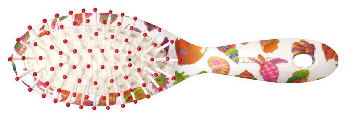 Clarette Щетка для волос на подушке компакт, цвет: красныйCFB 394Коллекция Сlarette Fleur- это расчески и щетки для волос из облегченного пластика. Яркая цветовая расцветка напоминает нам о долгожданном лете и улучшает наше настроение. Незаменима для отпуска. Пластиковые зубья с массажными шариками обеспечивают массаж головы, стимулируя рост волос. Удобна в дороге.
