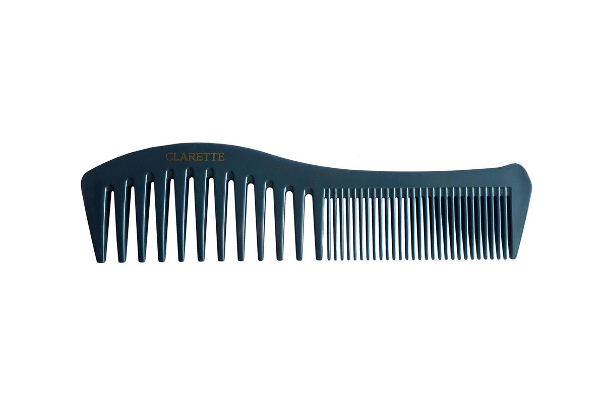Clarette Расческа для волос комбинированная, цвет: синийCPB 634Коллекция Clarette Перламутр- это расчески, щетки и термо-брашинги для ухода за волосами. Коллекция изготовлена из перламутрового пластика в яркой цветовой гамме. Форма расчески позволяет легко и удобно расчесывает даже густы волосы, благодаря разным размерам зубьцов позволяет расчесывать и разделять пряди. Подходит для ежедневного применения.