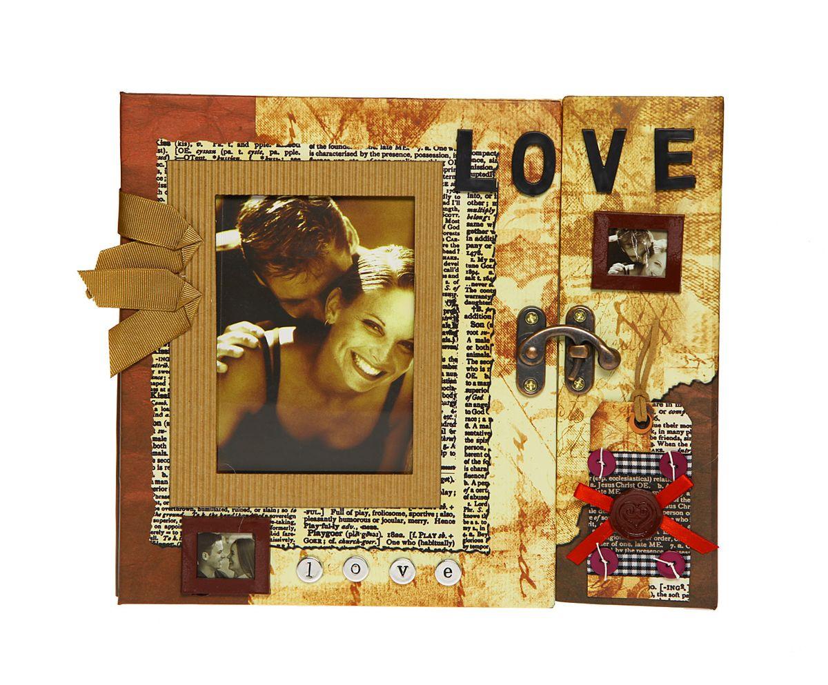 Фотоальбом HomeMaster Любовь, 120 фото, 25 х 23 х 4 смJX-L006Оригинальный фотоальбом HomeMaster Любовь имеет 30 листов на 120 фото, размером 10 х 15 см. На внутренних страницах альбома есть возможность делать памятные записи. На лицевой стороне альбома также можно разместить одну фотографию. Объемный декор, ручная работа.