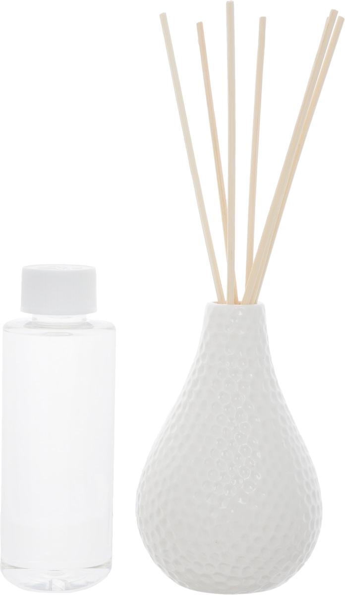 Диффузор ароматический Country Fresh Wild Cotton, 150 млNPD15002Ароматический диффузор Country Fresh Wild Cotton – это простое, изящное и долговременное решение, как наполнить дом или офис приятным запахом. В комплект входит керамическая ваза, семь ротанговых палочек и сосуд с ароматической жидкостью.Диффузор- это не просто освежитель воздуха, а элемент декора, который окутает вас своим приятным нежным ароматом. Отлично подойдет в качестве подарка. Способ применения: поместите ротанговые палочки в керамическую вазу с ароматической жидкостью. Степень интенсивности запаха может регулироваться объемом ароматической жидкости и количеством палочек. Ароматическая жидкость не содержат спирта. Высота вазы: 12 см. Диаметр вазы (по верхнему краю): 2см. Длина палочек: 12 см.Товар сертифицирован.
