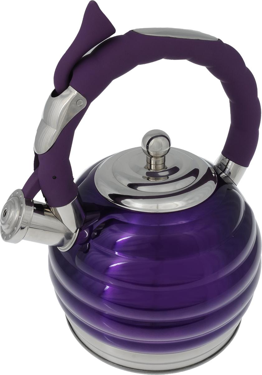 Чайник Mayer & Boch, со свистком, цвет фиолетовый, 3 л. 2496724967Чайник Mayer & Boch изготовлен из высококачественной нержавеющей стали с цветным глянцевым покрытием. Нержавеющая сталь не окисляется и не впитывает запахи, поэтому напитки всегда будут ароматными и иметь натуральный вкус. Носик снабжен свистком, что позволит вам контролировать процесс подогрева или кипячения воды. Фиксированная ручка снабжена механизмом для открывания носика, что делает использование чайника очень удобным и безопасным. Капсулированное дно с прослойкой из алюминия обеспечивает наилучшее распределение тепла. Чайник подходит для использования на всех типах плит, включая индуционные. Также изделие можно мыть в посудомоечной машине. Диаметр чайника (по верхнему краю): 10 см.Высота чайника (без учета ручки и крышки): 15 см.
