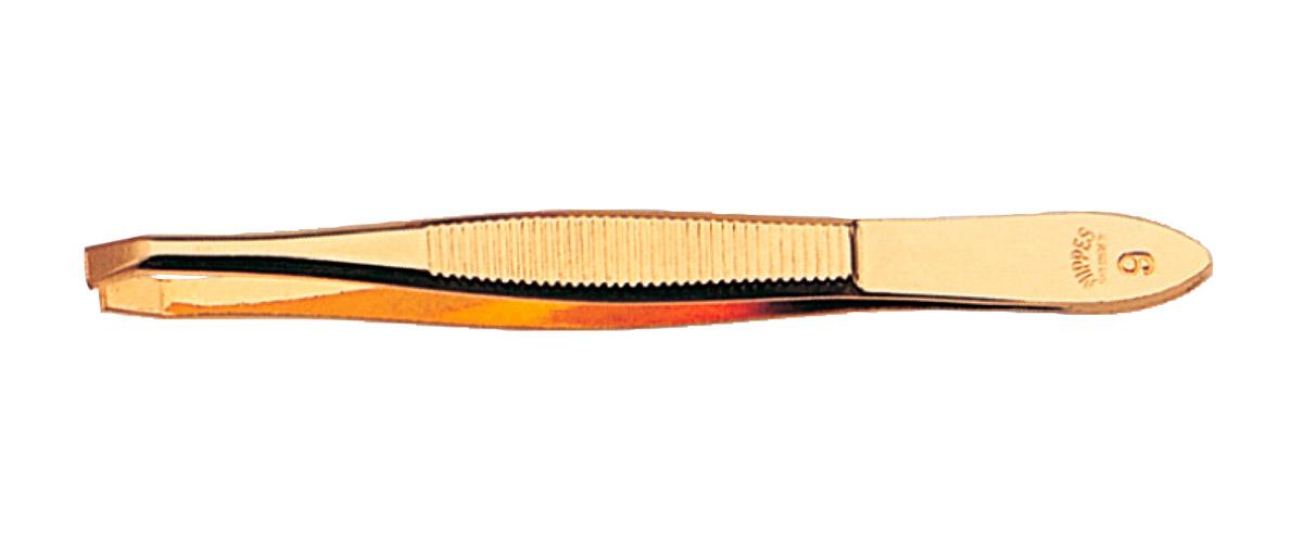 Nippes Пинцет изогнутый позолоченный, 8 см. 9G9GПинцет 9 G изготовлен из высококачественной стали. Пинцет позолоченный, имеет загнутые кончики, благодаря чему с легкостью захватывает волосок. Используется профессиональными косметологами для удаления тонких волосков.Длина пинцета 8 смХранить в сухом недоступном для детей месте.Срок годности не ограничен.Замена изделия не осуществляется в следующих случаях:- Использование не по назначению- Самостоятельный ремонт- Нарушение условий хранения
