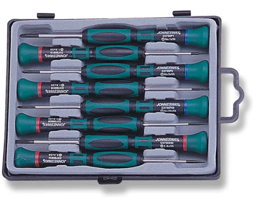 Набор отверток для точной механики Jonnesway 50 мм шлиц 1.0-3.0 и крест PH#0.00-1, 8 предметовD3750P08SСодержание:- Отвертки шлицевые, SL, 5 шт.: SL1х50, SL1.6х50, SL2х50, SL2.4х50, SL3х50;- Отвертки крестовые, PH, 3 шт.: PH00х150, PH00х50, PH1х50;- Пластиковый держатель.