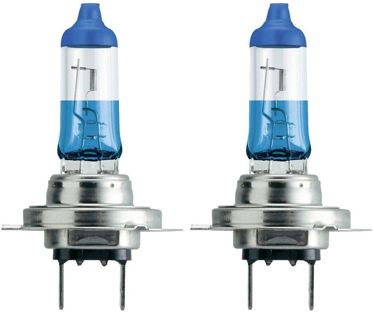 Лампа автомобильная галогенная Philips ColorVision Blue, для фар, цоколь H7 (PX26d), 12V, 55W, 2 шт12972CVPBS2Галогенная лампа для автомобильных фар Philips ColorVision произведена из запатентованного кварцевого стекла с УФ фильтром Philips Quartz Glass. Кварцевое стекло Philips в отличие от обычного твердого стекла выдерживает гораздо большее давление смеси газов внутри колбы, что препятствует быстрому испарению вольфрама с нити накаливания. Кварцевое стекло выдерживает большой перепад температур, при попадании влаги на работающую лампу изделие не взрывается и продолжает работать. Лампа ColorVision придает автомобильной фаре голубой оттенок, при этом она излучает яркий белый свет. Лампа отражает свет, направляя его через оптические элементы, и создает интересные цветные эффекты. Такие лампы обеспечивают на 60% больше света и увеличивают видимость до 25 метров (по сравнению с обычными лампами). Эти инновационные цветные автомобильные лампы сертифицированы для использования на дорогах. Они соответствуют европейским стандартам и обеспечивают прекрасное освещение, излучая безопасный белый свет. Автомобильные галогенные лампы Philips удовлетворят все нужды автомобилистов: дальний свет, ближний свет, передние противотуманные фары, передние и боковые указатели поворота, задние указатели поворота, стоп-сигналы, фонари заднего хода, задние противотуманные фонари, освещение номерного знака, задние габаритные/стояночные фонари, освещение салона.