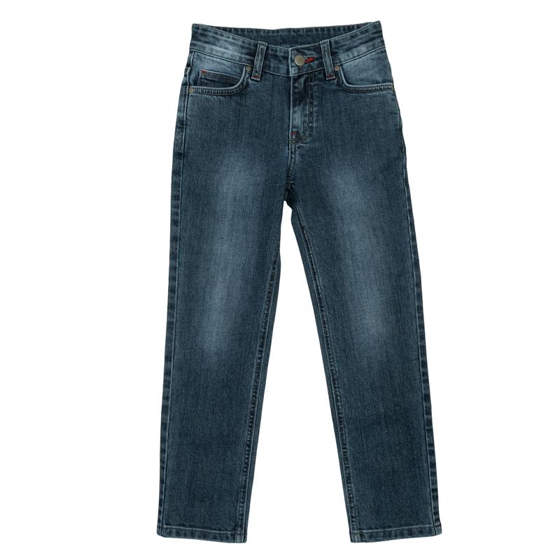 Джинсы для мальчика PlayToday, цвет: сине-серый. 361113. Размер 98361113Стильные джинсы для мальчика выполнены из натурального хлопка с эффектом потертостей. Джинсы прямого кроя и стандартной посадки на талии застегиваются на пуговицу и имеют ширинку на застежке-молнии. Модель представляет собой классическую пятикарманку: два втачных и один маленький накладной кармашек спереди и два прорезных кармана сзади. На поясе имеются шлевки для ремня.