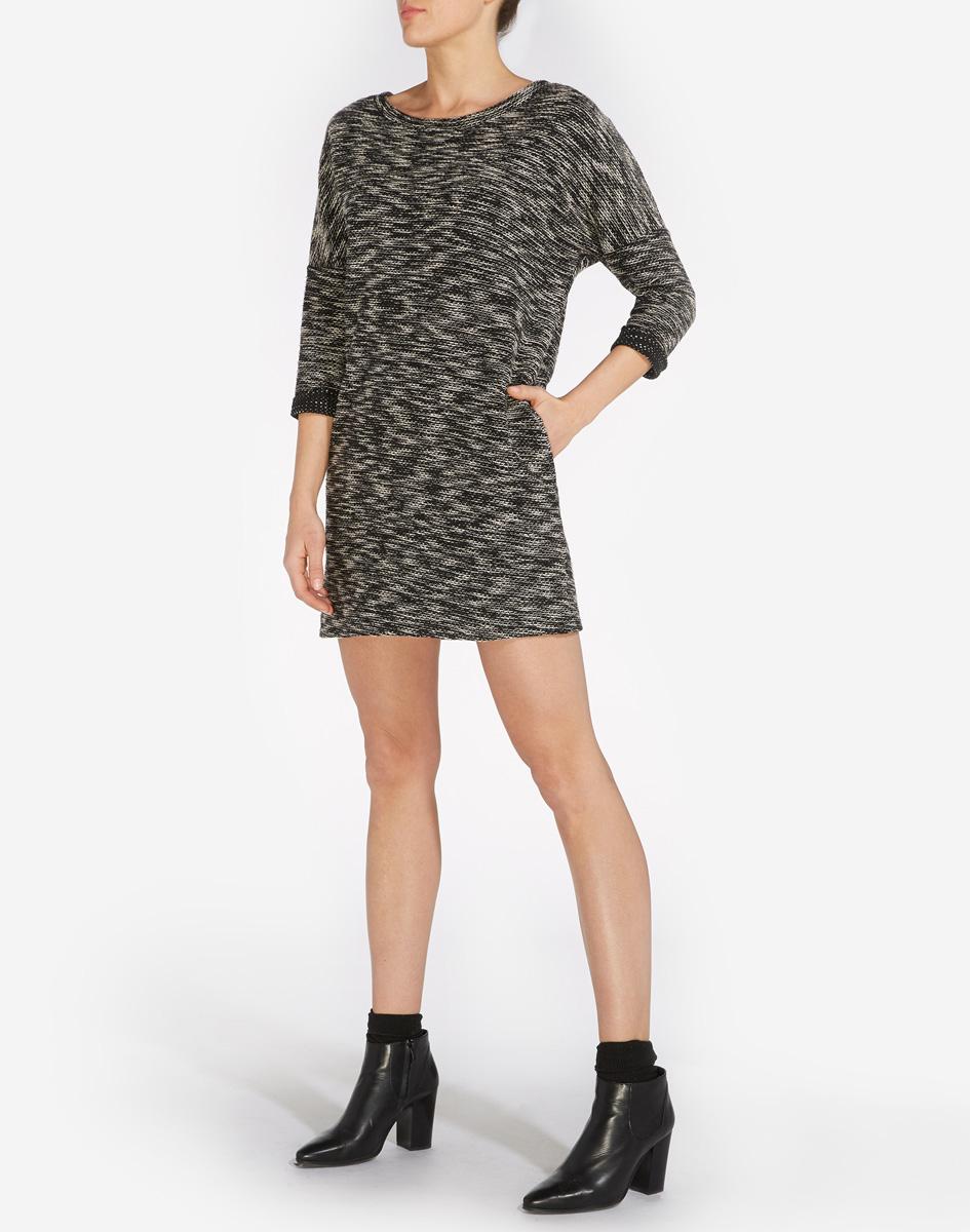 Платье Wrangler, цвет: черный, белый. W9051JGBU. Размер L (48)W9051JGBUМодное платье Wrangler, изготовлено из натурального хлопка с добавлением полиэстера и эластана. Модель мини с круглым воротником и рукавами 3/4.
