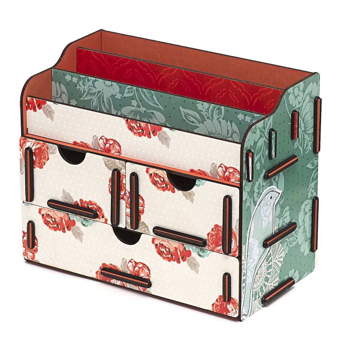 Органайзер для косметики и украшений Homsu Цветы, 24 x 14 x 19 смHOM-337Настольный органайзер Homsu Цветы выполнен из МДФ и собирается из съемных деталей. Изделие подходит для косметики и украшений. Органайзер имеет 3 выдвижных ящичка и 3 секции для хранения косметики, парфюмерии и аксессуаров, его можно поставить на столе, он станет отличным дополнением интерьера. Изделие позволяет разместить все самое необходимое для женщины и всегда иметь это под рукой. Размер малого ящика: 11 х 14,5 см.Размер большого ящика: 22 х 14,5 см.