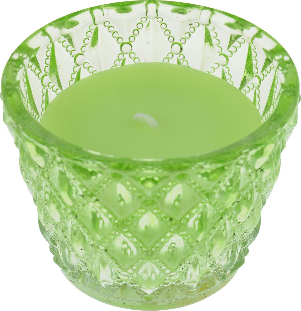 Декоративная ароматизированная свеча Magic Home, аромат Зеленый чай, 4122541225Оригинальная ароматизированная свеча Феникс-презент Зеленый чай, изготовленная из парафина, помещена в стакан из стекла с рельефной поверхностью. Свеча наполнит вашу комнату приятным цветочным ароматом и создаст уютную атмосферу. Вы можете поставить свечу в любом месте, где она будет удачно смотреться и радовать глаз. Кроме того, эта свеча - отличный вариант подарка для ваших близких и друзей.