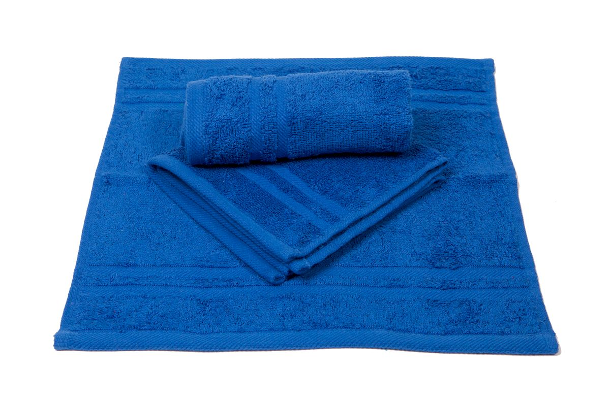Набор махровых полотенец Arloni Marvel, цвет: синий, 3 шт44037.6Набор Arloni Marvel состоит из трех полотенец разных размеров. Полотенца,выполненные из натурального хлопка, подарят ваммягкость и необыкновенный комфорт в использовании. Ткань не вызываеталлергических реакций, обладает высокой гигроскопичностью ивоздухопроницаемостью. Полотенца великолепно впитывают влагу, нежныена ощупь не теряют своих свойств после многократной стирки.