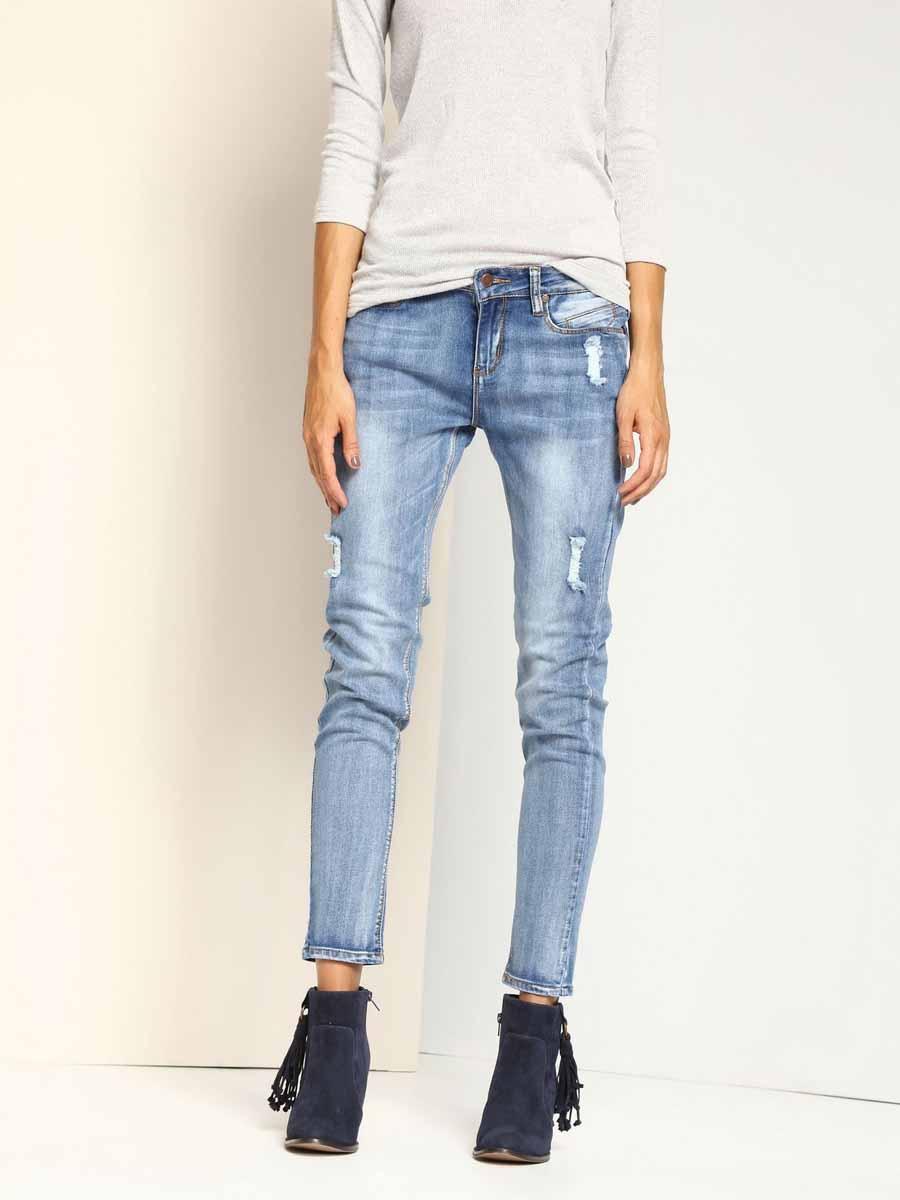 Джинсы женские Top Secret, цвет: голубой. SSP2314NI. Размер 36 (42)SSP2314NIЖенские джинсы Top Secret изготовлены из хлопка с добавлением полиэстера и эластана. Модель-скинни застегивается на пуговицу и имеет ширинку на застежке-молнии. Спереди расположены два втачных кармана и один маленький накладной, сзади - два накладных кармана. Изделие оформлено эффектом искусственно-состаренного денима.