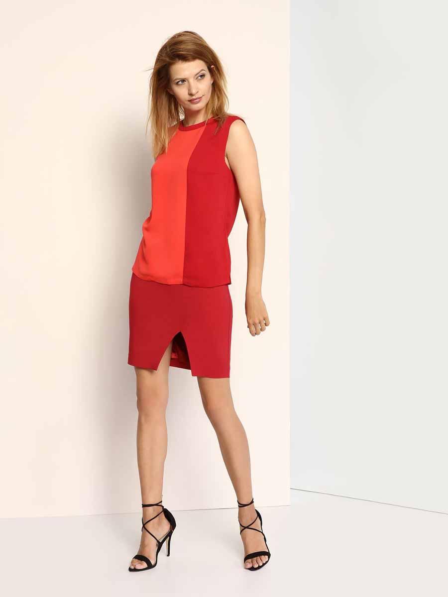 Блузка женская Top Secret, цвет: красный, бордовый. SBW0267CE. Размер 34 (40)SBW0267CEСтильная женская блузка, выполненная из 100% полиэстера, на спинке застегивается на металлическую пуговицу. Модель с круглым вырезом горловины и без рукавов по бокам дополнена небольшими декоративными разрезами.