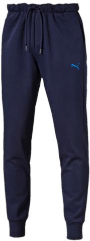 Брюки спортивные мужские Puma Puma Hero Pants Fl Cl, цвет: синий. 83837706. Размер S (44/46)838377_06Спортивные брюки Puma Puma Hero Pants Fl Cl выполнены из плотного трикотажа, мягкая внутренняя отделка. Модель декорирована графическим рисунком, сочетающим печать высокой плотности с прорезиненными элементами и деталями из светоотражающего материала. Она изготовлена из высокофункционального материала dryCELL в варианте dryFLEECE, который отводит влагу, поддерживает тело сухим, сохраняет тепло и гарантирует максимальный комфорт. Среди других отличительных особенностей изделия – эластичная подкладка под пояс с символикой Puma жаккардового переплетения с внутренними затягивающимися шнурами, удобные карманы в швах, манжеты внизу штанин, декоративные лампасы, а также нашитая сверху задняя кокетка для лучшей посадки по фигуре.