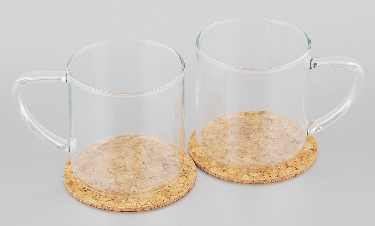 Набор кружек Tescoma Teo, с подставками , 350 мл, 2 шт646692Набор Tescoma Teo состоит из двух кружек, выполненных из боросиликатного стекла. Кружки подходят для подготовки и подачи горячих и холодных напитков. Горячую воду можно заливать прямо в кружку. В комплекте идут 2 подставки, изготовленные из натуральной пробки. Этот необычный набор станет великолепным подарком для каждого и, несомненно, вызовет восхищение. Стеклянные кружки пригодны для микроволновой печи, холодильника и посудомоечной машины.Объем: 350 мл. Диаметр кружки (по верхнему краю): 8 см. Высота кружки: 8,5 см. Диаметр подставки: 9,5 см.