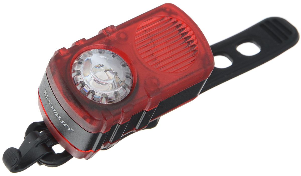 Задний габаритный фонарь Dosun Ruby RC200, с зарядкой от USBRC200/5040Задний габаритный фонарь Dosun Ruby RC200 сделает ваш велосипед более заметным в темное время суток и обеспечит безопасность на дороге. Предназначен для оповещения водителей о движущемся транспортном средстве. Изделие имеет прочный водонепроницаемый корпус, устойчивый к царапинам. Яркий светодиод мощностью 10 лм работает в 4 режимах: сильное освещение, слабое освещение, одновременное мигание и поочередное мигание. Благодаря силиконовому ремешку фонарь с легкостью крепится к велосипеду без специальных инструментов. Он быстро устанавливается и также быстро снимается при необходимости. Специальная клипса позволяет разместить фонарь на одежде или рюкзаке. Встроенный аккумулятор заряжается с помощью USB-кабеля.Емкость аккумулятора: 580 mAh Li-Polymer. Время зарядки: 2,5 часа. Диаметр штанги: 20-40 мм. Гид по велоаксессуарам. Статья OZON Гид
