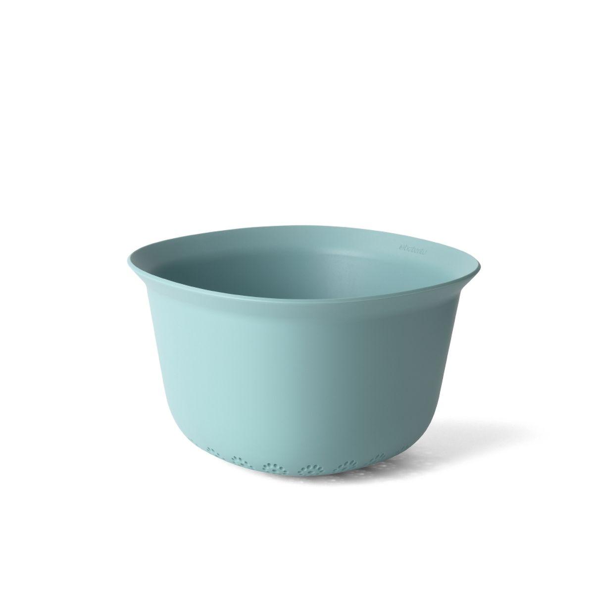 Идеально подходит для мытья фруктов и овощей, сливания жидкости после  варки макаронных изделий и т.п.  Изделие удобно держать благодаря форме с широкими краями.  Отличная устойчивость – три опорных ножки.  Экономия места на кухне и удобное хранение – изделия составляются одно в  другое.  Легко моется – можно мыть в посудомоечной машине.